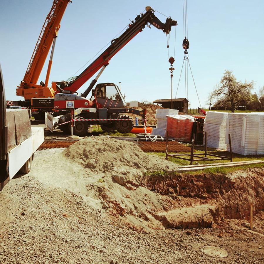 Helfri Baugestellschaft Frankenberg Kranarbeiten