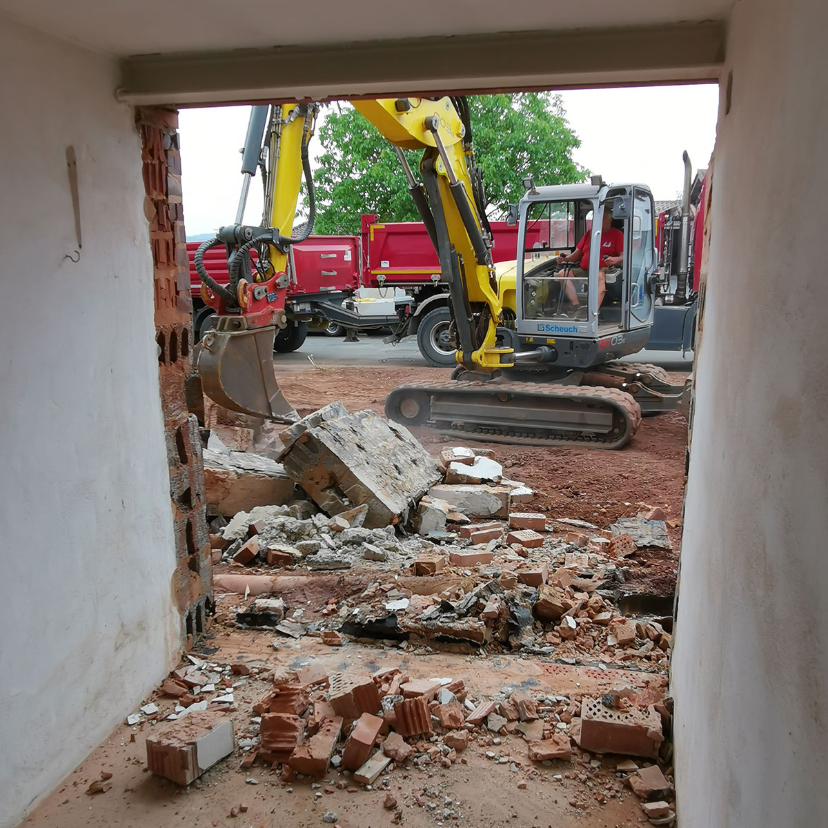 Helfri Baugestellschaft Frankenberg Abbruch Sanierung